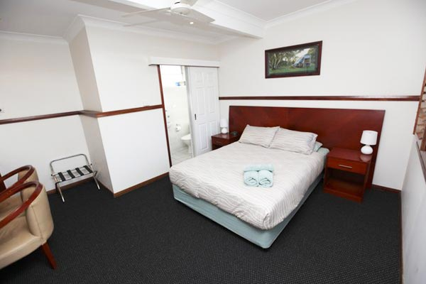 across-country-motel-accommodation-family-twin-queen-rooms-dubbo
